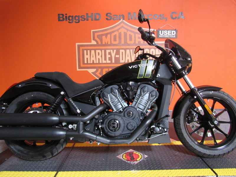 2017 Victory Motorcycles Octane Gloss Black