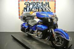 2018 Indian Motorcycle Roadmaster Elite ABS Cobalt Candy / Black Crystal W/ 23